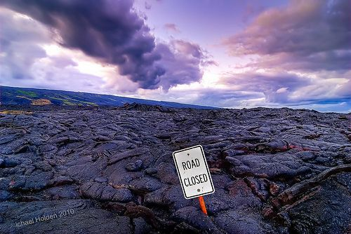 vDPW (Department of Pele Works) Road Closed due to lava from Kilauea volcano, por Michael Holden