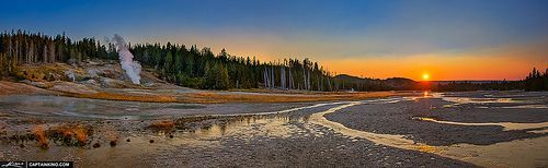 Norris-Geyser-Basin-Panorama-at-Sunset-Y ellowstone-Park, por Kim Seng