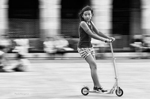 kick scooter panning, bilbao, por Paolo Margari