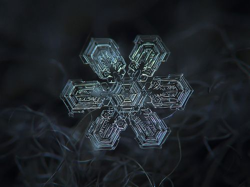 Snowflake n.1937057371046175 (print version), por Alexey Kljatov