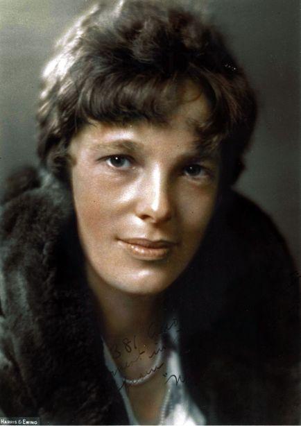 Amelia Earhart, 1930. Primera mujer en volar sola a través del Atlántico, por klassixx