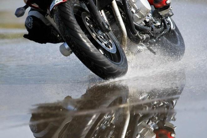 El aquaplaning en moto