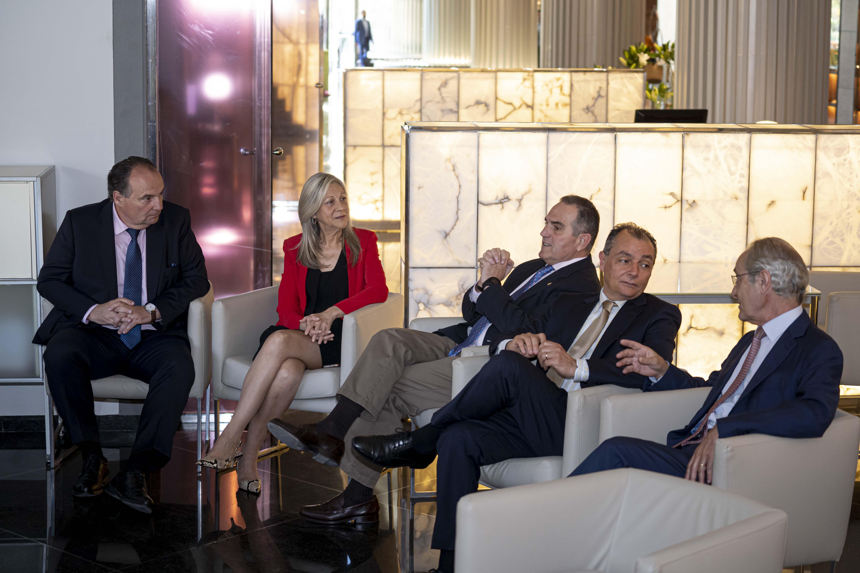 El presidente de las Cámaras de la CV, José Vicente Morata, aborda la situación del comercio exterior valenciano en el Club de Encuentro XIV