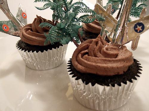 IMAGE: Lost cupcakes by ambernussbaum @ Flickr