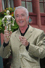 Anthony Daniels and his famous gold jacket at the 2007 Disney Weekends / Photo by Ron Riccio / starwarsblog @ flickr