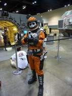 Convention tip #12: Photographing fans in costumes (1/6)