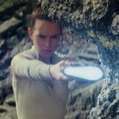 TLJ Trailer #2: Rey