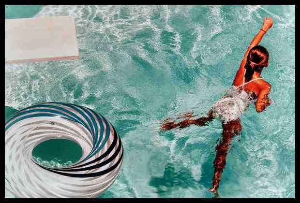 ninos y piscinas
