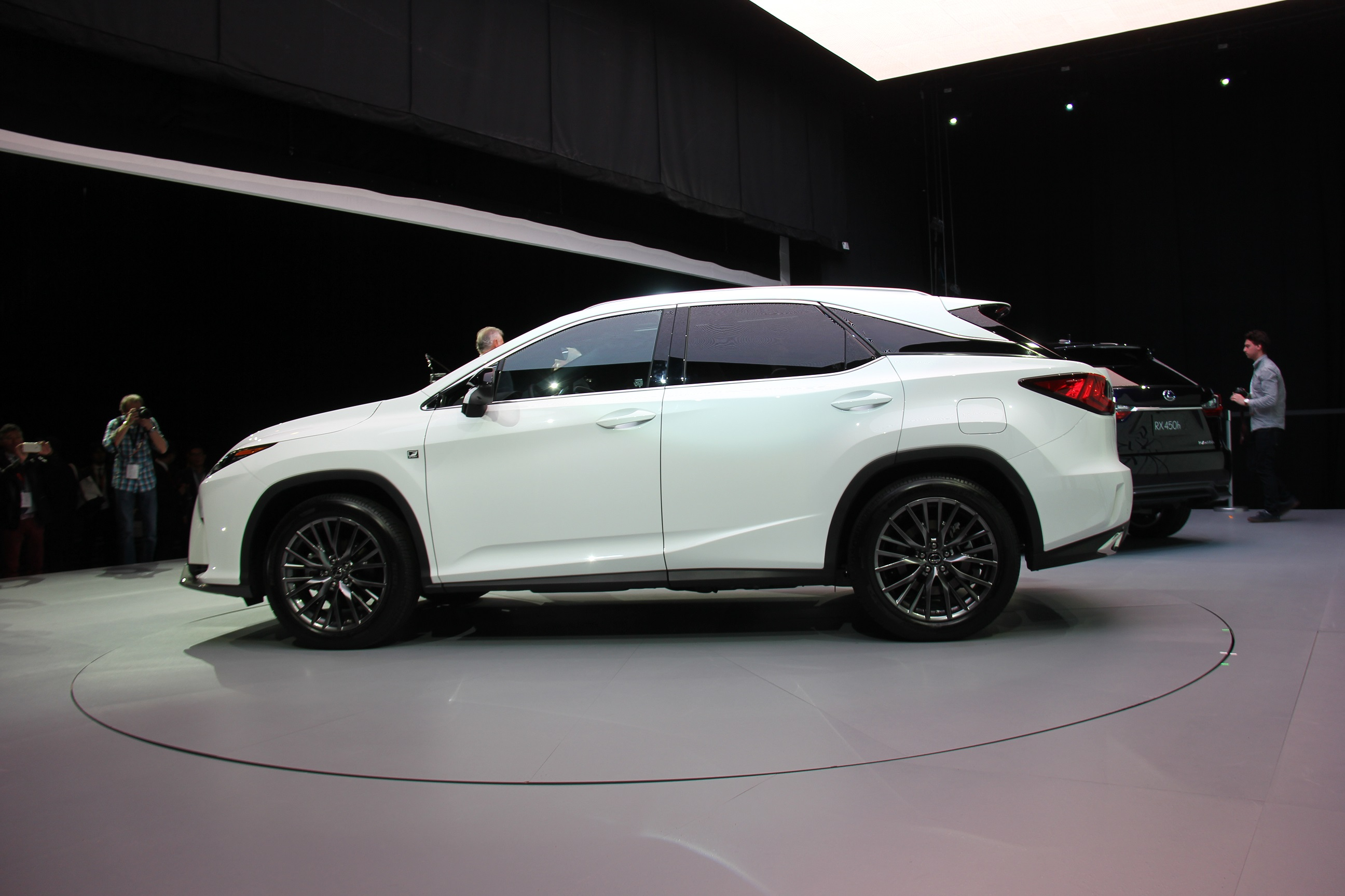 Mega Gallery 2016 Lexus Rx Revealed At New York