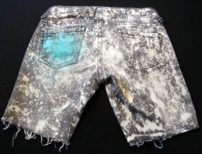 Bleached, dyed & spiked low shorts