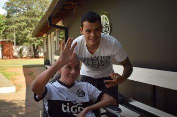 Don Atilio Torres, cumplió su sueño de conocer al Willi Mendienta en la previa de su cumpleaños.