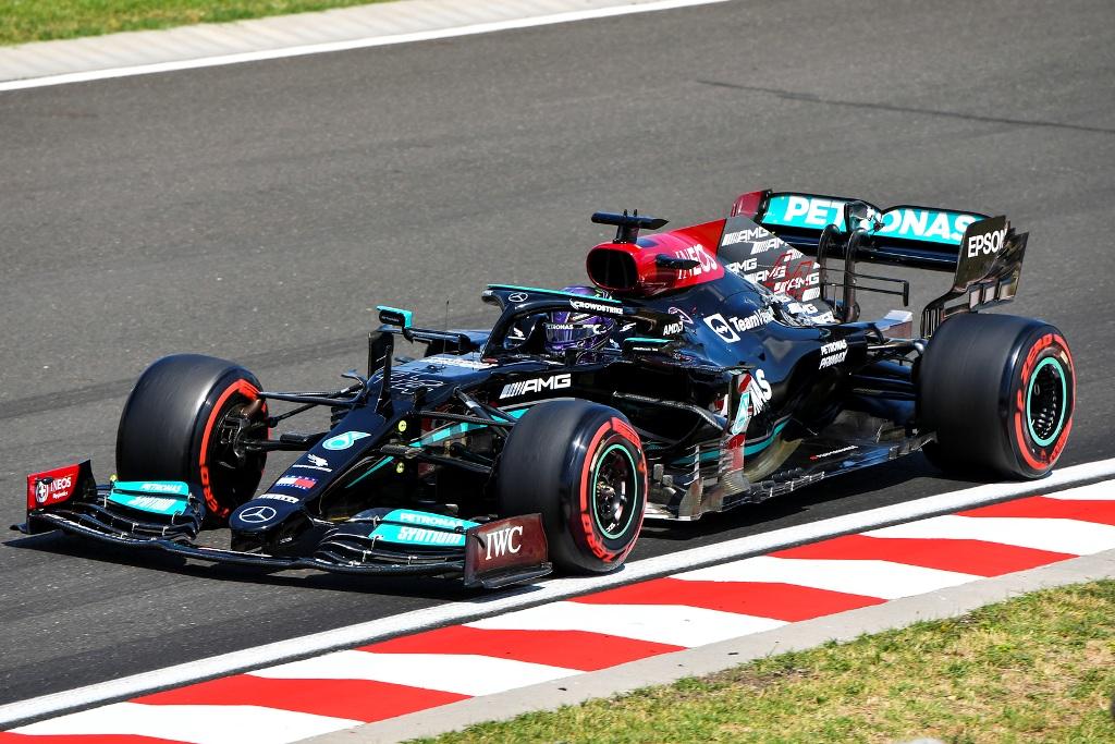 Хамилтън спечели пола на Гран при на Унгария