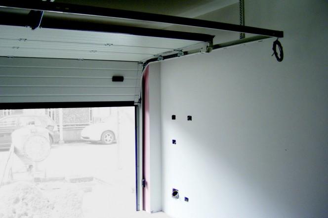 Puertas de garaje motorizadas por qu necesitan una