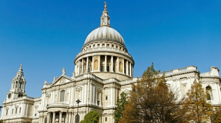London is a fantastic place to visit, but it isn't cheap! The London Pass and the London Explorer Pass are both great ways to save on sightseeing, but which is the best pass for you? We'll help you decide here!