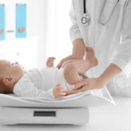Cât trebuie să ia în greutate copilul de la naștere la 5 ani - Tabelul greutății și înălțimii