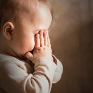 Anxietatea de separare | Copilul este atât de atașat de mamă încât nu poate pleca nicăieri fără el
