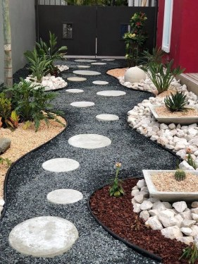 Comfy Front Yard Pathways Landscaping Ideas You Must Know22