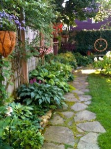 Comfy Front Yard Pathways Landscaping Ideas You Must Know29