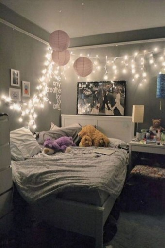 Delicate Tiny Bedroom Decor Ideas For Teens15
