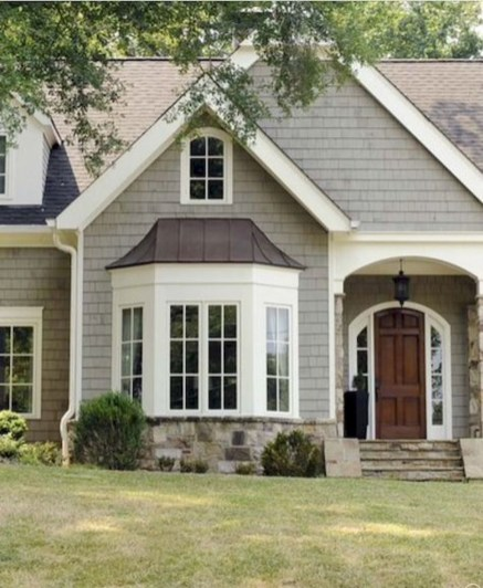 Elegant Farmhouse Exterior Design Ideas To Try11