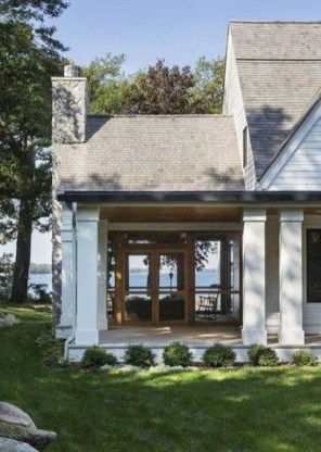 Elegant Farmhouse Exterior Design Ideas To Try22