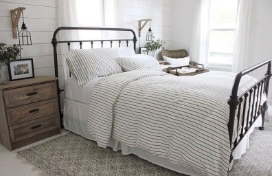 Inexpensive Master Bedroom Remodel Ideas For You42