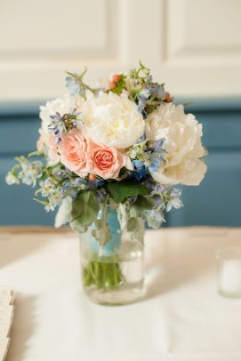 Stylish Lower Arrangements Ideas For Table Decorating30