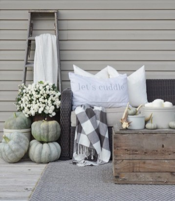 Stunning Fall Home Decor Ideas With Farmhouse Style13
