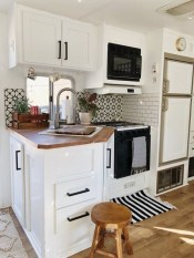 Astonishing Cupboard Space Design Ideas For Rv Décor To Try01