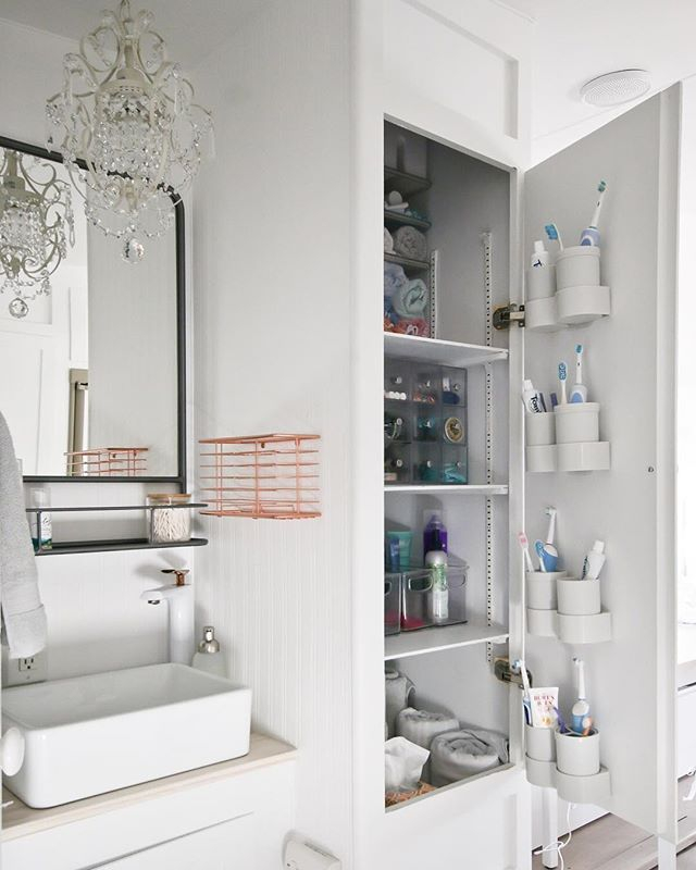 Astonishing Cupboard Space Design Ideas For Rv Décor To Try10