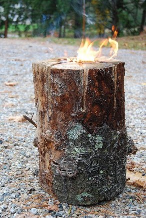 Attractive Diy Logs Ideas For Summer Garden To Try Right Now32