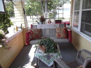 Beautiful Summer Porch Design Ideas To Copy Right Now11
