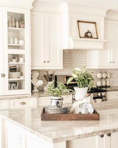 Extraordinary Farmhouse Kitchens Design Ideas That Have An Elegant Looks24