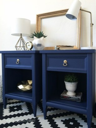 Extraordinary Old Furniture Ideas To Beautify The Decor35