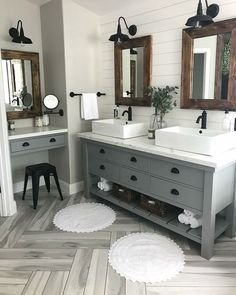 Fascinating Farmhouse Master Bathroom Remodel Ideas To Have Now19