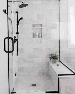 Fascinating Farmhouse Master Bathroom Remodel Ideas To Have Now36