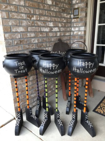 Outstanding Diy Halloween Decorations Ideas For Party Decor16