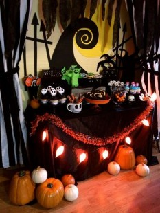 Outstanding Diy Halloween Decorations Ideas For Party Decor37