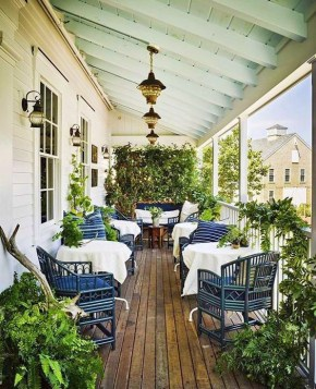 Pretty Planter Design Ideas For Summer Porch To Looks Amazing17