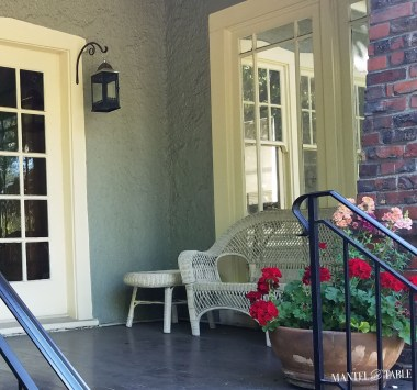 Pretty Planter Design Ideas For Summer Porch To Looks Amazing27