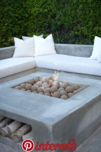 Superb Diy Fire Pit Ideas To Try In The Backyard28