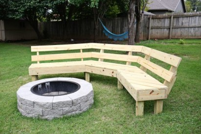 Superb Diy Fire Pit Ideas To Try In The Backyard43