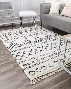 Unusual Painted Rug Design Ideas For Relaxing Screened Porch36