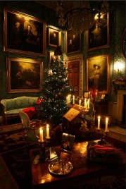 Adorable Christmas Home Design Ideas To Fun Up Your Home10