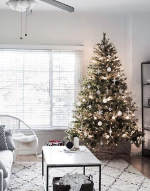 Adorable Christmas Home Design Ideas To Fun Up Your Home23