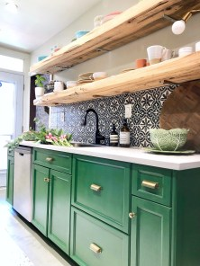 Affordable Kitchen Cabinet Design Ideas That Make Your Kitchen Looks Neat30