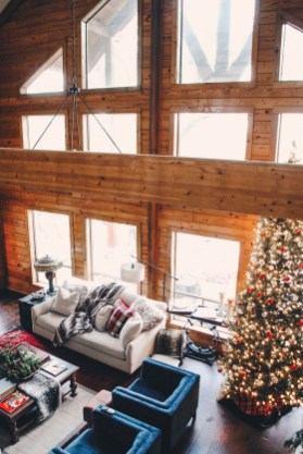 Extraordinary Christmas Living Room Decoration Ideas To Try Asap27