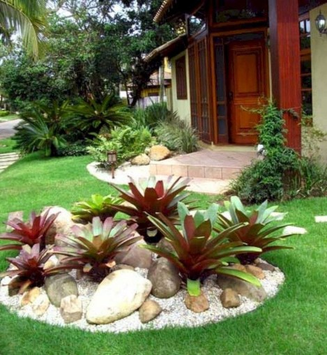 Fascinating Front Yard Landscaping Design Ideas To Try Right Now15