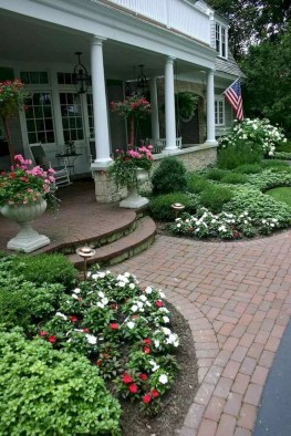 Fascinating Front Yard Landscaping Design Ideas To Try Right Now30