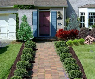 Fascinating Front Yard Landscaping Design Ideas To Try Right Now34